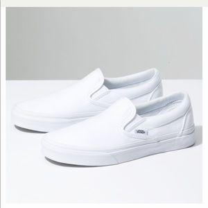 White slip on vans!! Brand new🤩🤩